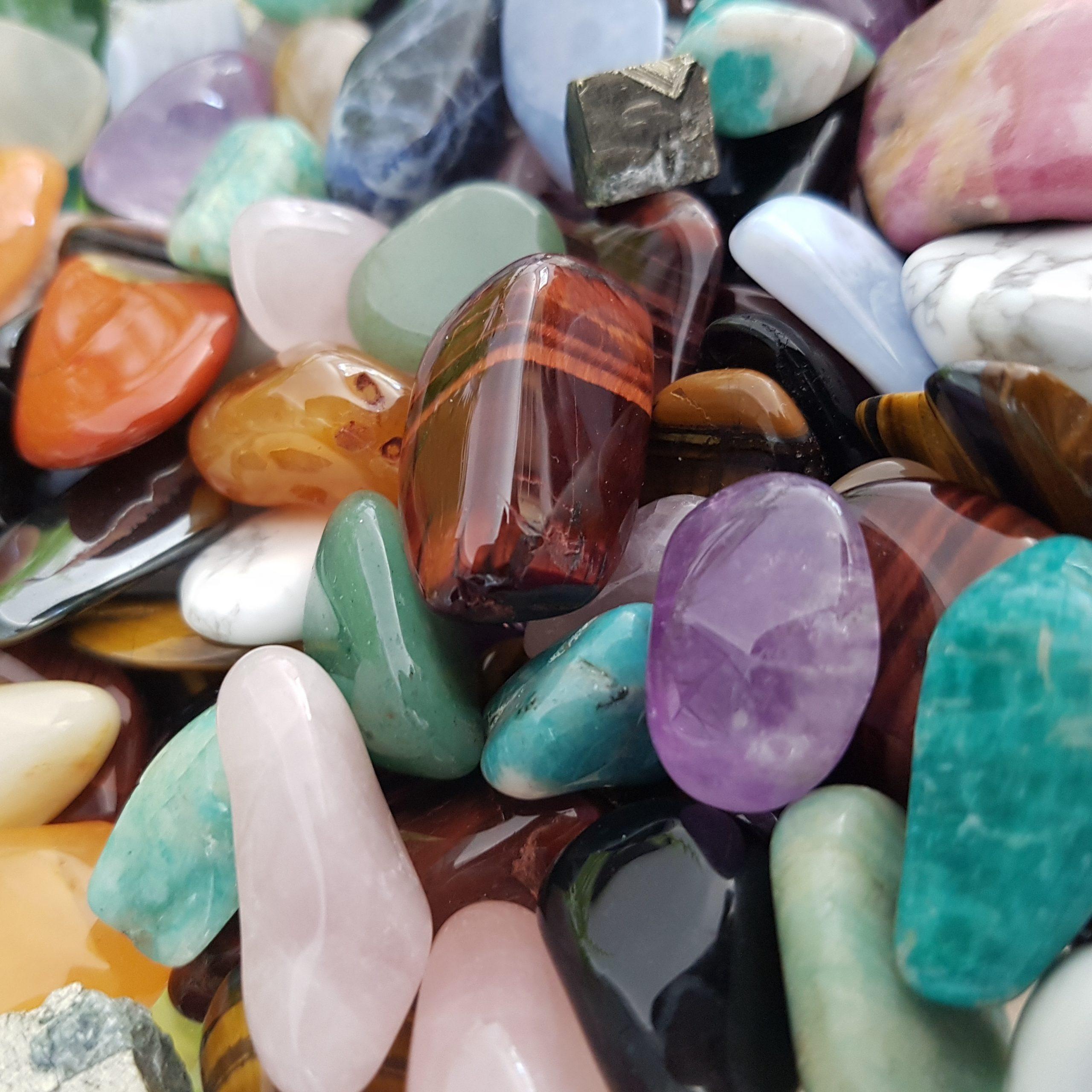 cristal de roche, quartz rose, améthyste